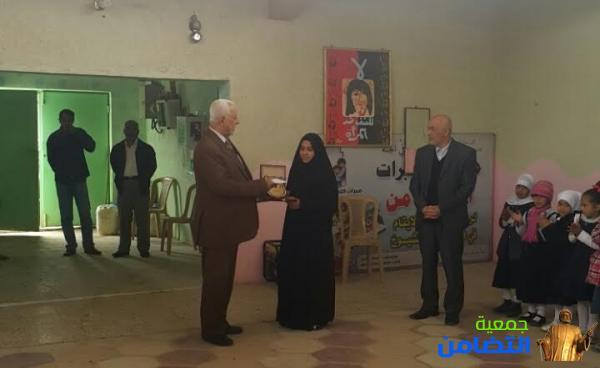 ادارة مبرات التضامن للأيتام : تكرّم التلميذة زهراء جاسم محمد وادارة مدرستها في سوق الشيوخ بـ