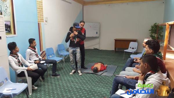 كشافة التضامن وبالتعاون مع جمعية الهلال الأحمر العراقي تقيم دورة في الإسعافات الأولية[مصور]