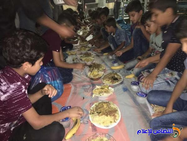 بمبادرة خيرية وإنسانية... يقيم أحد المؤمنين من أبناء الناصرية مأدبة إفطار لـ 150 يتيم من أيتام مبرات التضامن(مصور)