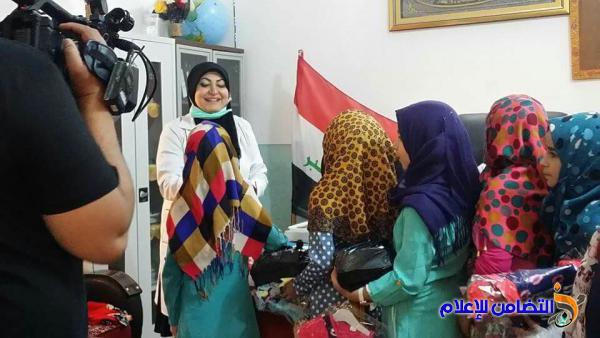 الدكتورة ساجدة الجبوري: تزور مبرة التضامن في ناحية الفضلية وتقدم الملابس والهدايا للأيتام (مصور)