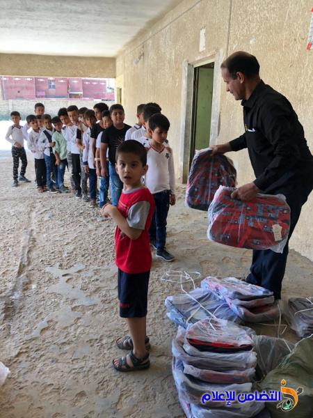 فـاعل خير من سكنة بغداد يتبرع لايتام مبـرة التضامن السابعة لرعاية الايتام في قضاء الرفاعي
