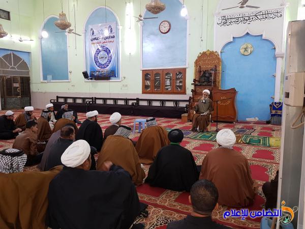 بالصور: الدرس الأخلاقي للشيخ محمد مهدي الناصري في مدرسة العلوم الدينية