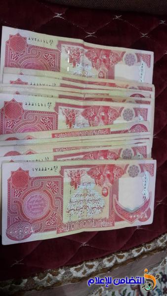في مبرة التضامن بقضاء الشطرة ...معلمة تتبرع بـ 400 ألف دينار لتلاميذها الأيتام