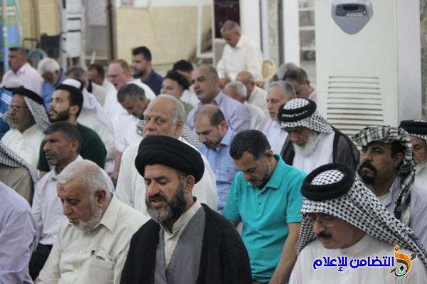 تقرير(صوتي -مصور) عن صلاة الجمعــة بامامة الشيخ إسامة الناصري بجامع الشيخ عباس الكبير