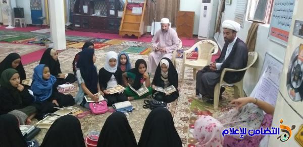 دورة قرآنية للفتيات تقيمها مدارس الإمام الصادق الصيفية في الناصرية