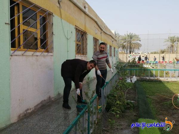 مجموعة من المحاضرين المجانيين ينظمون حملة صبغ وتنظيف في مدرسةالتضامن الرابعة للأيتام
