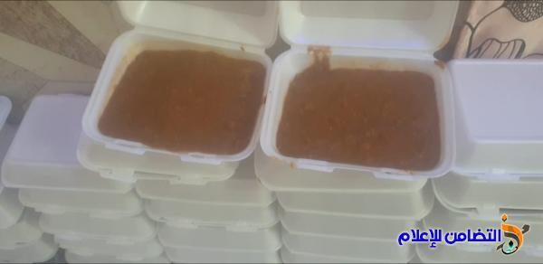 مبرات التضامن توزع وجبة كبيرة من الطعام بثواب الإمام الحسين(ع)على الأيتام في مناطق الفضلية والمناروالفهود والإصلاح