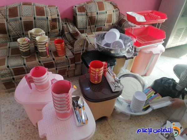في قضاء سوق الشيوخ ...أحد معلمي مبرة التضامن الرابعة  للأيتام يجهز المطبخ بكافة الادوات والمستلزمات المطبخية