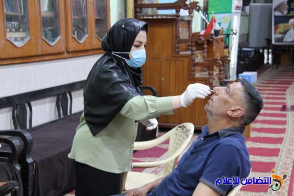 بالتعاون مع مركز ام البنين الصحي.. جمعية التضامن تنظم حملة مسح مجانية للتحري عن فيروس كورونا
