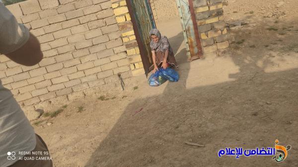 مكتب مبرات التضامن في ذي قار يوزع السلات الرمضانية في ناحية الفهـود على الأيتام