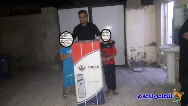 مكتب مبرات التضامن في الناصرية يوزع عـدد من الاجهزة الكهربائية على عوائل الأيتام في قضاء الرفاعـي