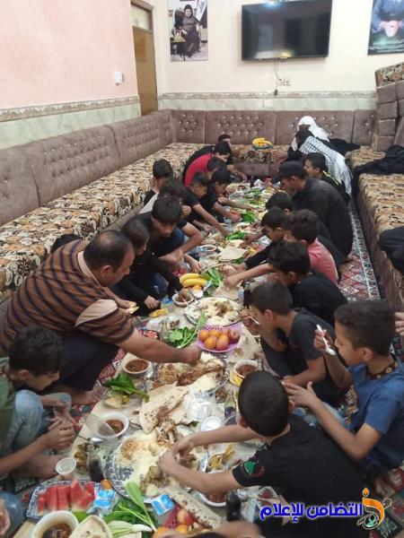 بالصور: أيتام مبرة التضامن في سوق الشيوخ يحييون ذكرى وفاة النبي محمد (ص)