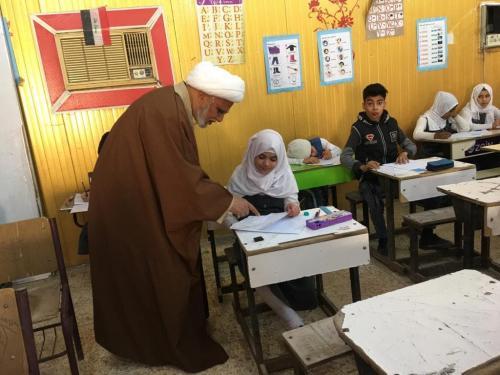 المشرف العام لمبرات التضامن يطلع على سير العملية الامتحانية في المبرة الأولى للأيتام