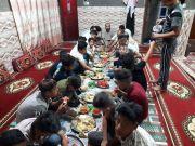 إقامة مأدبة إفطار لأيتام مبرة التضامن في المنار بدعوة من احد أبناء الناحية